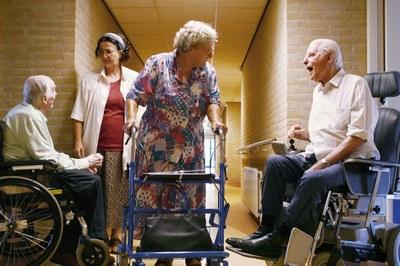 RIVM: ouderen vaak over- of onderbehandeld