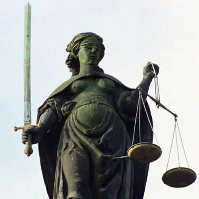 Rechter: Achmea mag Regenboog Apotheken contract weigeren
