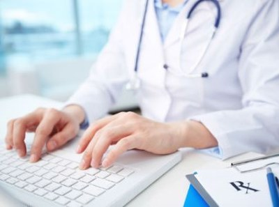 Artsenbezoeker van IVM bespaart kosten