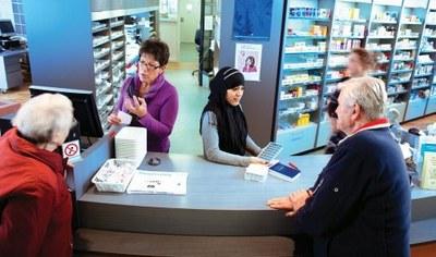 Apotheek herkent patiënt met beperking