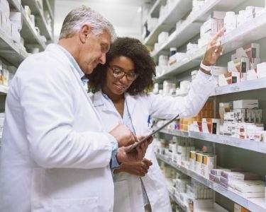 Klinische farmacie AHZ integreert in ziekenhuizen
