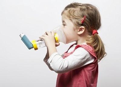 Vijfvoudige inhalatiedosis helpt niet tegen astma-aanval