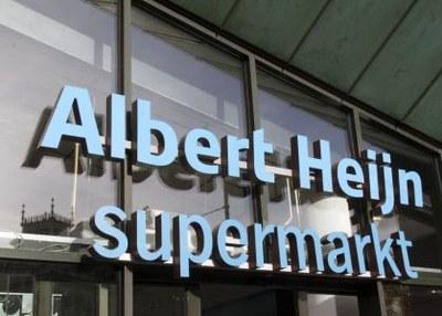 'Stop verkoop van zelfzorg zonder toezicht door Albert Heijn'