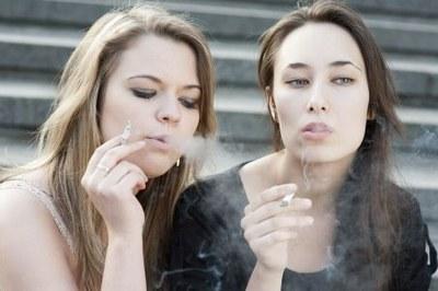 Lichte daling aantal rokers onder volwassenen