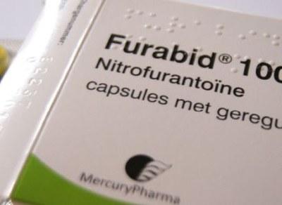 Nitrofurantoïne 50 mg en 100 mg even effectief